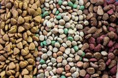 Vista superior del alimento para animales seco fotografía de archivo libre de regalías