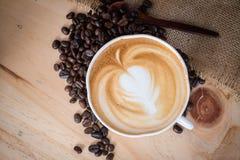 Vista superior del café caliente del capuchino Imagen de archivo