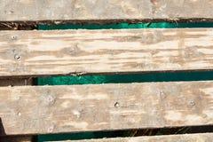 Vista superior del muelle de madera, pescados abajo imagenes de archivo