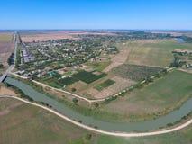 Vista superior del pequeño pueblo Imágenes de archivo libres de regalías