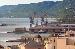 Vista superior del puerto de Trieste Fotografía de archivo
