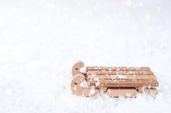 Vista superior del trineo de madera en la nieve Fotografía de archivo libre de regalías