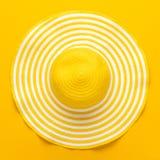 Vista superior do chapéu amarelo Foto de Stock Royalty Free