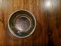 Vista superior do dri de alumínio antigo antigo tailandês da prata da água fria Imagem de Stock Royalty Free
