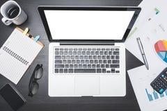 Vista superior do local de trabalho com portátil e original Conceitos para o negócio imagem de stock