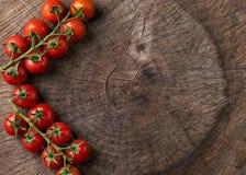 Vista superior do tomates vermelhos saborosos maduros Fotografia de Stock