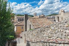Vista superior dos telhados da vila Viviers no Ardèche Imagens de Stock