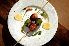 Vista superior em salsichas grelhadas tailandesas quentes e picantes Imagem de Stock