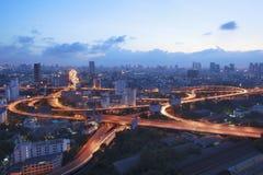 Vista superior escénica hermosa del traf de la autopista y del vehículo de Bangkok Fotografía de archivo libre de regalías