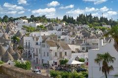 Vista superior na cidade de Alberobello em Puglia, Itália Fotografia de Stock Royalty Free