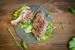 Vista superiore arrostita della banda nera della bistecca fotografia stock