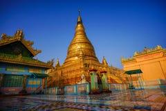Vista superiore in bello tempio di mattina alla collina di Mandalay nel Myanmar Fotografie Stock Libere da Diritti
