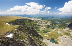 Vista superiore dei laghi Karakol in montagne di Altai Fotografia Stock