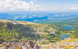 Vista superiore dei laghi Karakol in montagne di Altai Immagini Stock Libere da Diritti