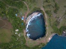 Vista superiore del Billabong del bello angelo Isola di Nusa Penida, Indonesia fotografie stock libere da diritti