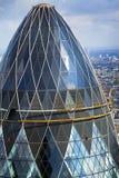 Vista superiore del cetriolino di Londra con paesaggio urbano nel fondo Fotografie Stock Libere da Diritti