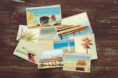 vista superiore del collage tropicale della foto su fondo di legno Immagini Stock