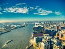 Vista superiore del fuco del elbphilharmonie di Amburgo immagini stock