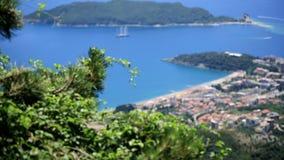 Vista superiore del litorale di Budua archivi video