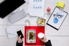 Vista superiore del pranzo di lavoro sano alla tavola Fotografie Stock Libere da Diritti