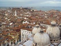 Vista superiore del tetto di Venezia. fotografia stock