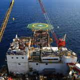 Vista superiore dell'impianto di perforazione di perforazione in mare aperto Fotografie Stock Libere da Diritti