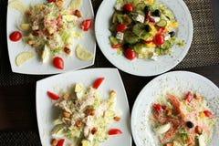 Vista superiore dell'insalata Piatti sulla tavola Concetto di fotografia dell'alimento Dieta sana Immagine Stock