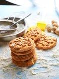 Vista superiore dell'insieme di prodotto per la cottura dei biscotti Immagini Stock