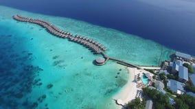 Vista superiore dell'isola delle Maldive stock footage