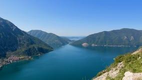 Vista superiore della baia di Cattaro nel Montenegro Immagine Stock
