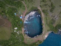 Vista superiore della baia rotta Nusa Penida, Indonesia fotografia stock