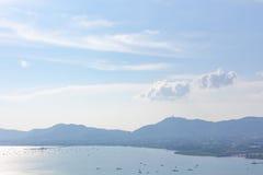 Vista superiore della città di Phuket dalla collina di Khao Kad immagini stock