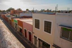 Vista superiore della città variopinta San Francisco de Campeche Bella architettura coloniale nel centro storico di Campeche, Mex Fotografia Stock