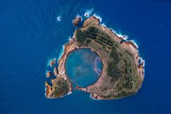 Vista superiore della costa di Ponta Delgada, isola di San Miguel, Azzorre fotografia stock