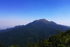 Vista superiore della grande montagna fotografie stock libere da diritti