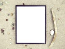 Vista superiore della pagina in bianco alla spiaggia di sabbia Fotografia Stock Libera da Diritti