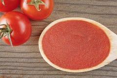 Vista superiore della salsa al pomodoro fotografia stock