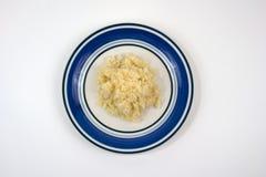 Vista superiore di aglio tagliato fresco sulla zolla Fotografie Stock