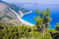 Vista superiore di belle baia e spiaggia di Myrtos sull'isola di Kefalonia, Grecia Fotografie Stock