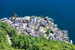 Vista superiore di Hallstatt - bello villaggio di Alpen Immagini Stock