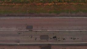 Vista superiore di povera strada stock footage