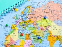 Vista superiore di progettazione un viaggio o dei sogni di pianificazione di viaggio di avventura Programma del mondo concetto di immagini stock