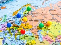 Vista superiore di progettazione un viaggio o dei sogni di pianificazione di viaggio di avventura Programma del mondo concetto di immagine stock libera da diritti