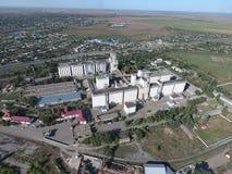 Vista superiore di un elevatore del silo Oggetto di industriale di Aerophotographing Immagine Stock Libera da Diritti