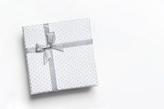 Vista superiore isolata bianca del contenitore di regalo Fotografia Stock
