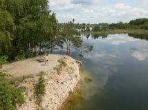Vista superiore Lettonia del fuco aereo del lago Sauriesi fotografia stock libera da diritti
