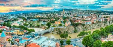 Vista superiore panoramica del centro di Tbilisi, Georgia, punti di riferimento famosi, Fotografia Stock Libera da Diritti