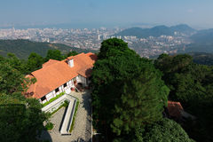 Vista superiore sguardo di Georgetown, isola di Penang, Malesia dalla cima di Fotografia Stock