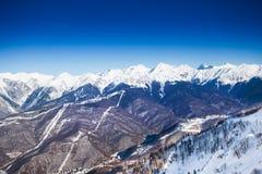 Vista superiore strabiliante delle montagne di Caucaso nell'inverno Fotografia Stock Libera da Diritti