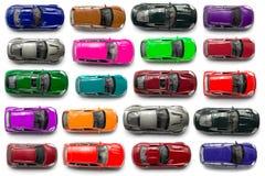 Vista superiore sui giocattoli variopinti dell'automobile Immagini Stock
